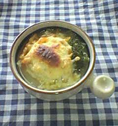 玄米もちを使ったオニオングラタンスープ