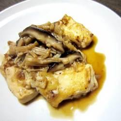 しょうがドレッシングを使った豆腐ときのこの生姜風味焼き
