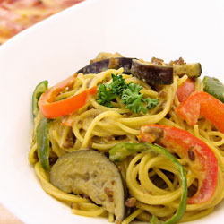 焼肉のたれコク野菜で作る 夏野菜のクリームパスタ
